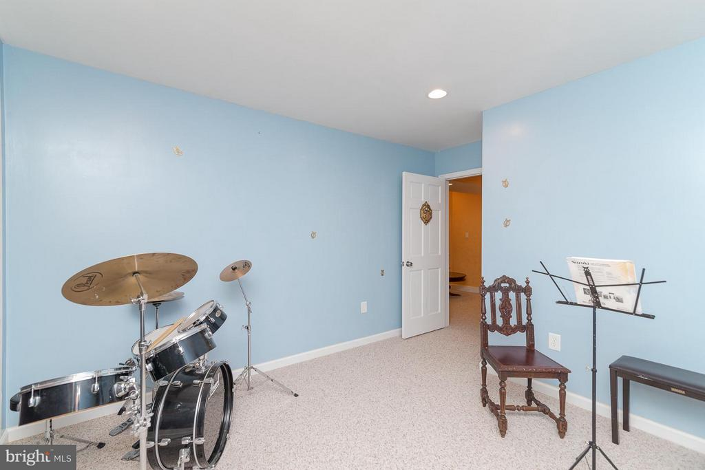 Music Room in basement - 21 WENTWORTH DR, FREDERICKSBURG