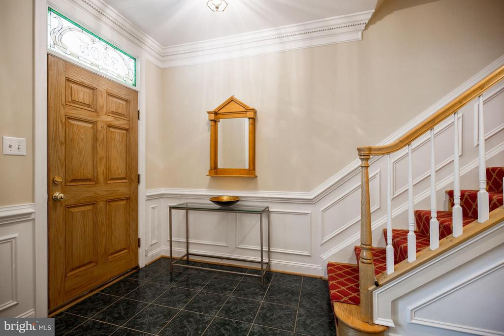 Foyer - 3305 WASHINGTON BLVD, ARLINGTON