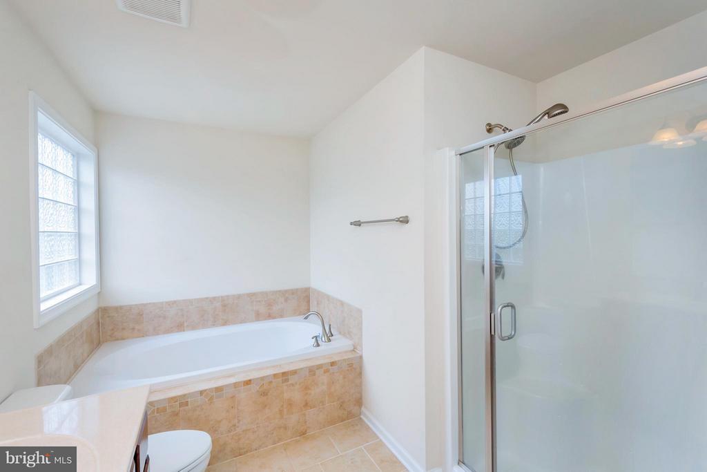 Bath (Master) - 6754 THORNBROOK LN, SPOTSYLVANIA
