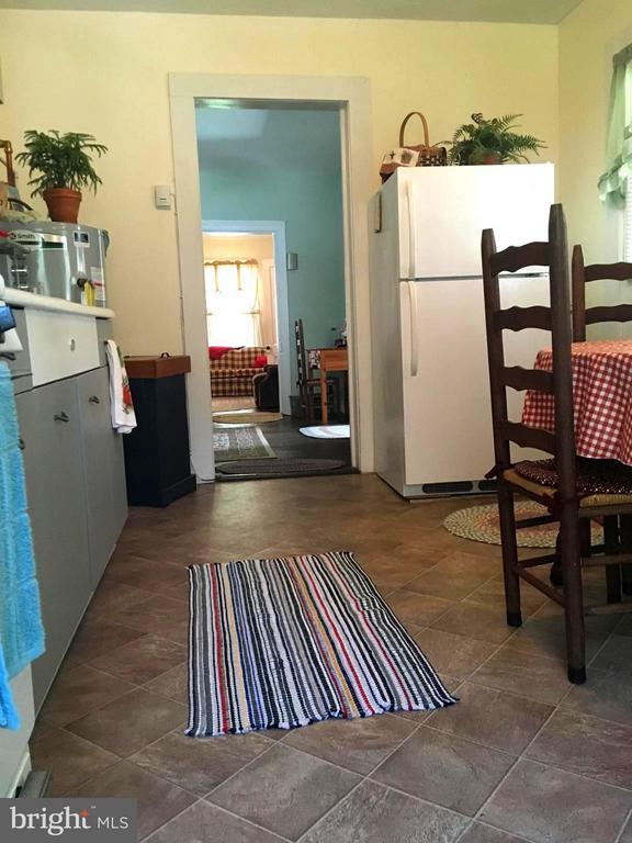 Kitchen View - 1614 CAROLINE ST, FREDERICKSBURG