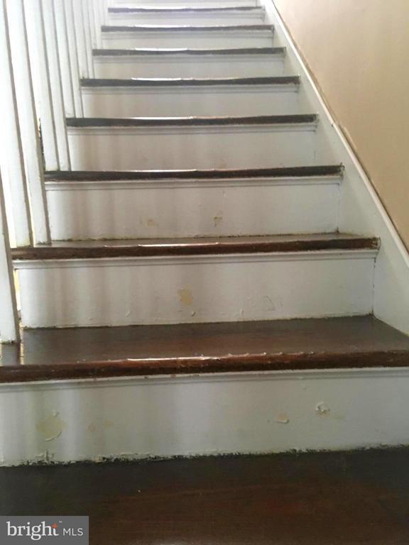 Original Stairs - 1614 CAROLINE ST, FREDERICKSBURG
