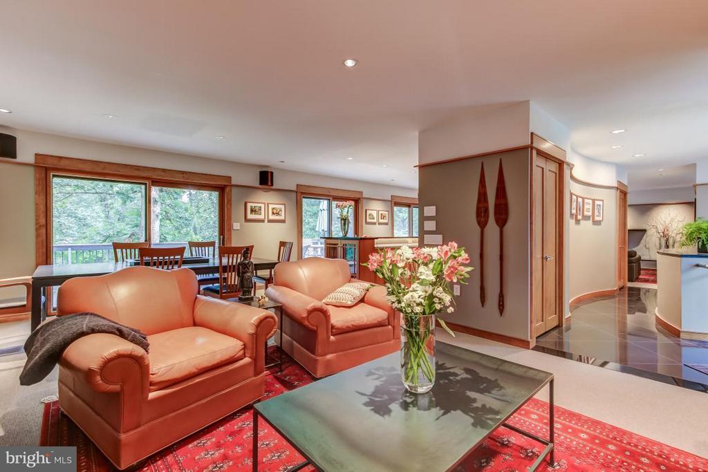 Wonderful open floor plan - 1706 PUTTER LN, RESTON