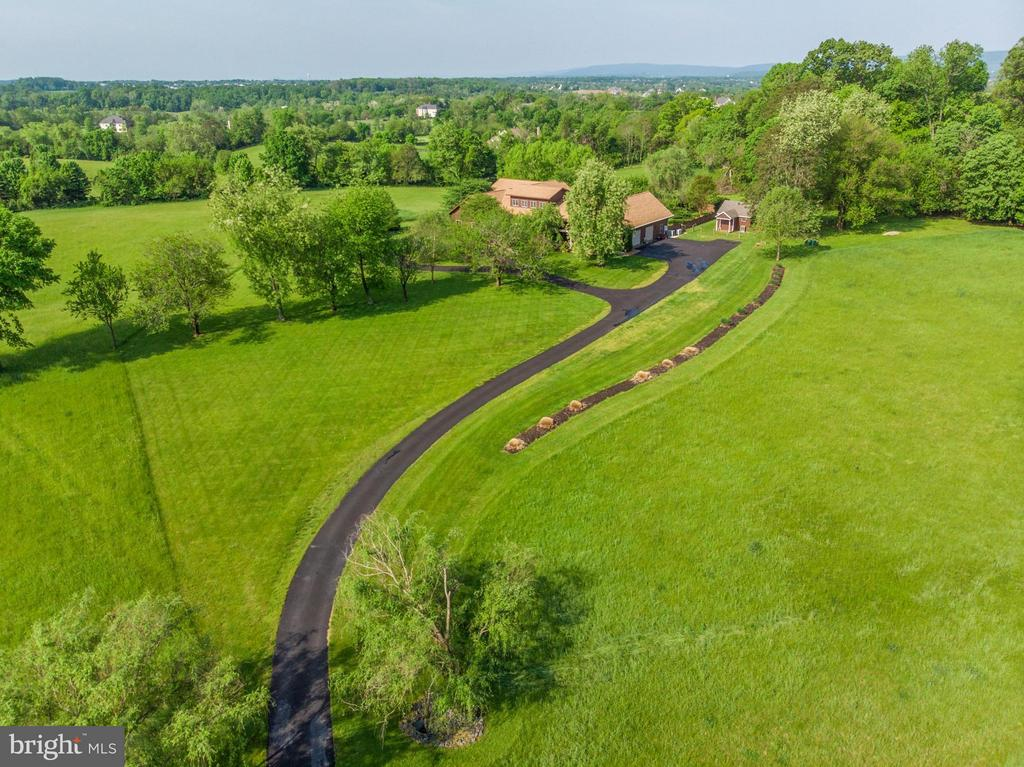 Open Private Setting w/barn style shed - 38581 DAYMONT LN, WATERFORD