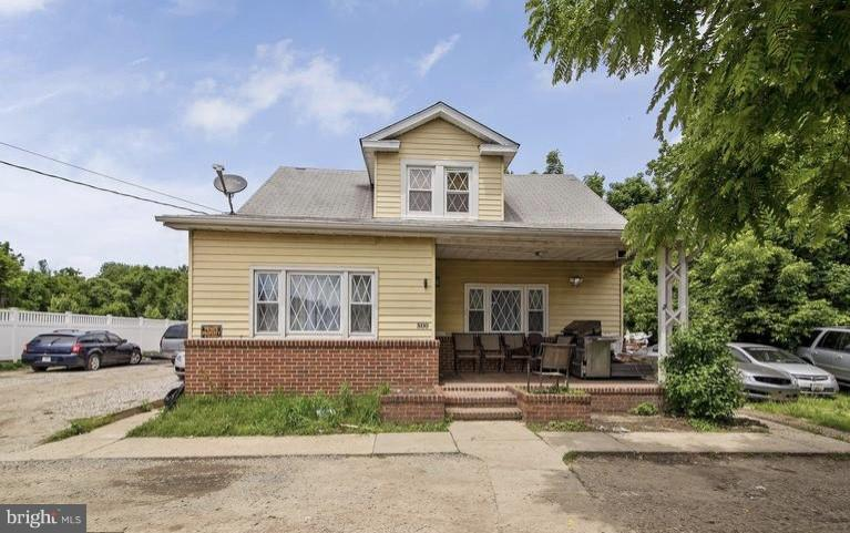 Single Family for Sale at 800 Nursery Rd Linthicum Heights, Maryland 21090 United States