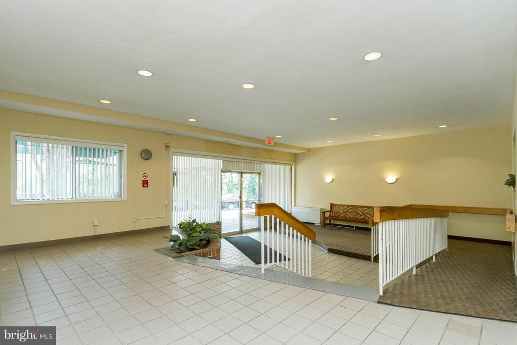 Lobby - 750 DICKERSON ST #313, ARLINGTON