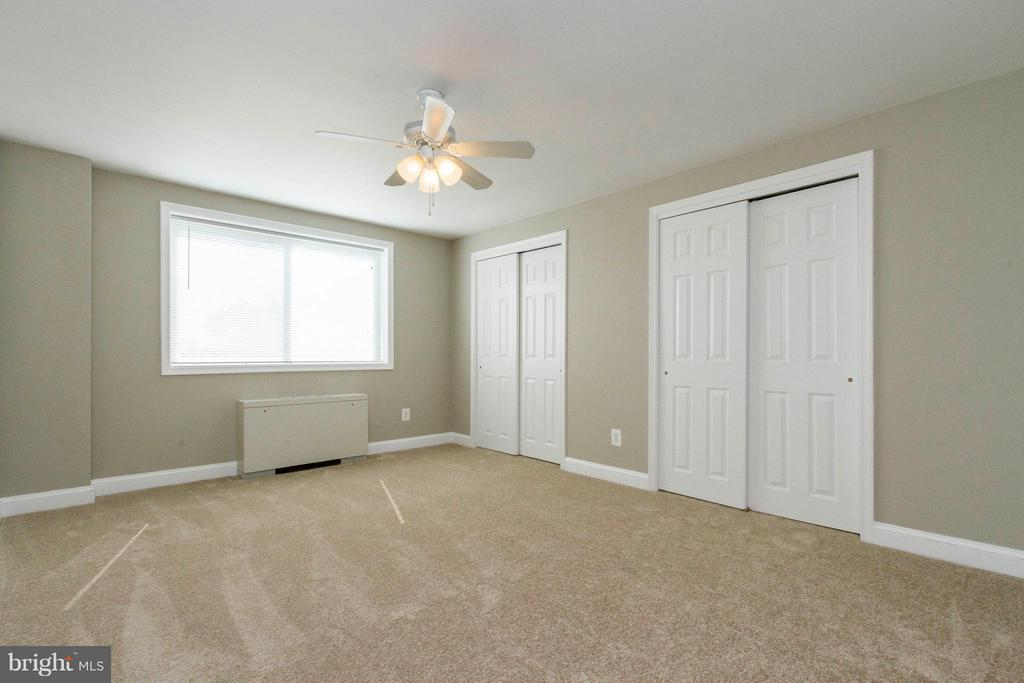 Spacious Bedroom - 750 DICKERSON ST #313, ARLINGTON