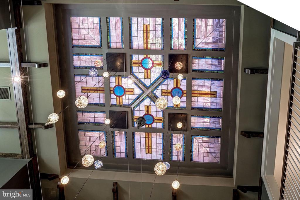 Great Room Stained-Glass Ceiling - 412 CHAIN BRIDGE RD, MCLEAN