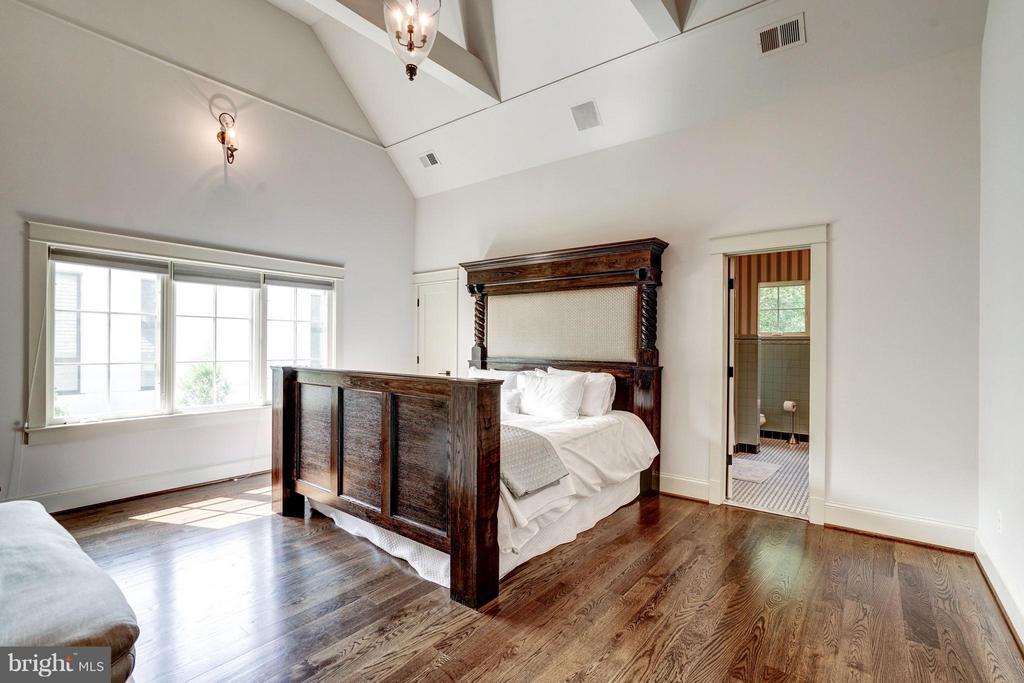 Bedroom #2 - 412 CHAIN BRIDGE RD, MCLEAN