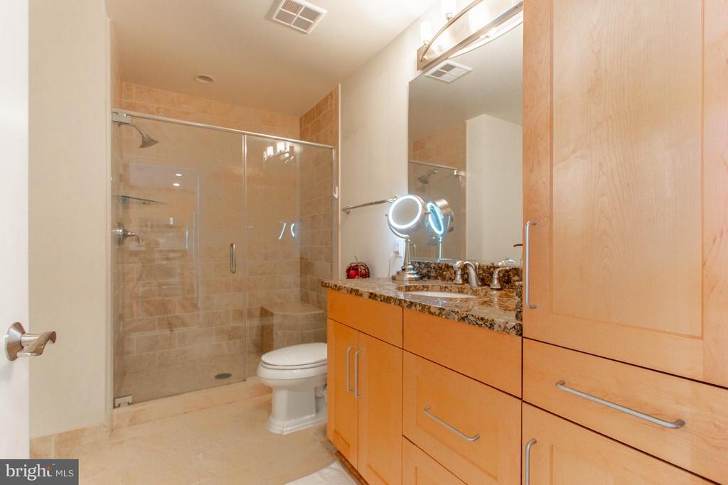 Bathroom - 8220 CRESTWOOD HEIGHTS DR #1209, MCLEAN