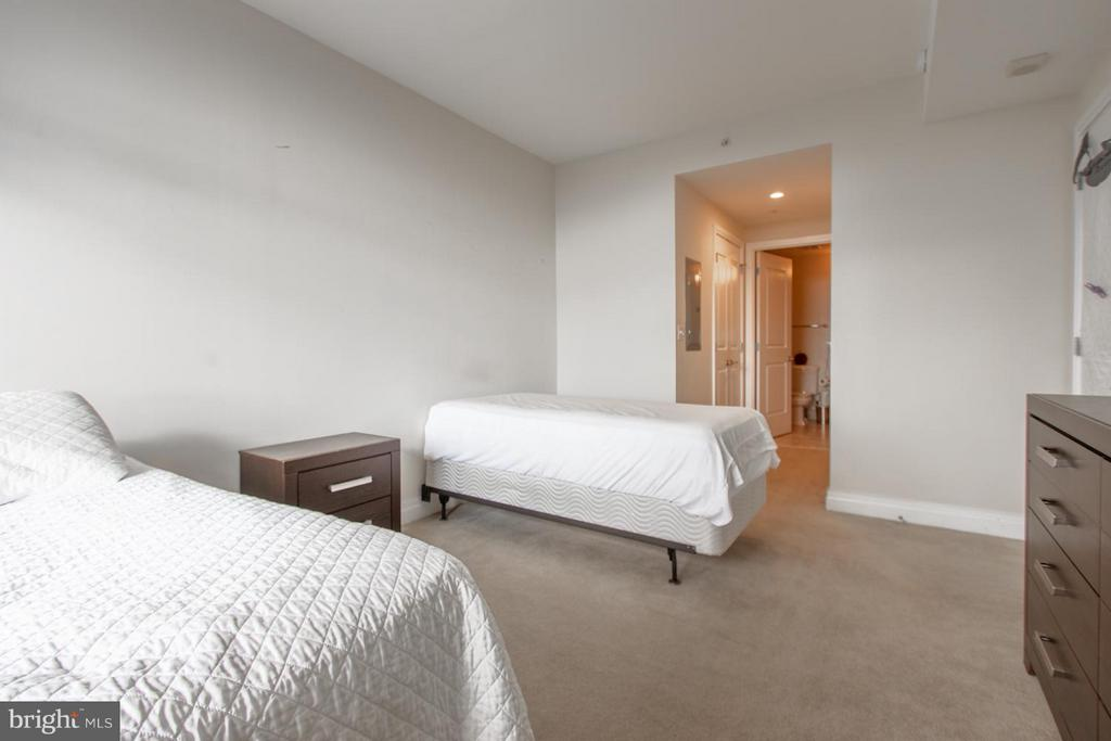 Bedroom - 8220 CRESTWOOD HEIGHTS DR #1209, MCLEAN