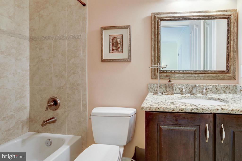 Bathroom - 7629 BURFORD DR, MCLEAN