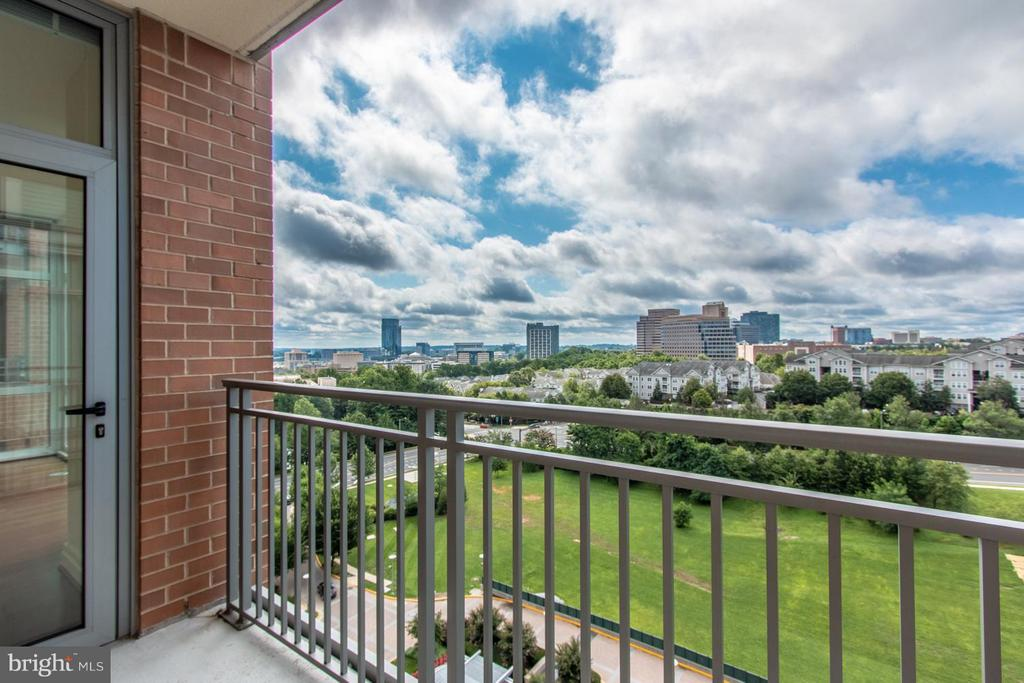 Balcony - 8220 CRESTWOOD HEIGHTS DR #1209, MCLEAN