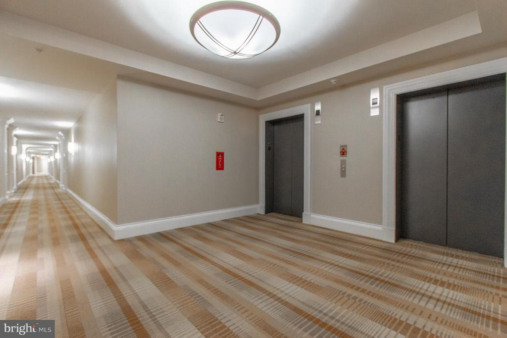 Elevators - 8220 CRESTWOOD HEIGHTS DR #1209, MCLEAN