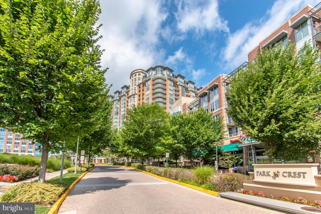 Exterior (Rear) - 8220 CRESTWOOD HEIGHTS DR #1209, MCLEAN