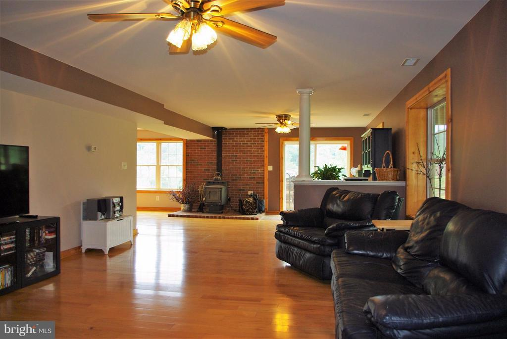 Lower Level Living Area - 41 OLD BROWNTOWN LN, HUNTLY