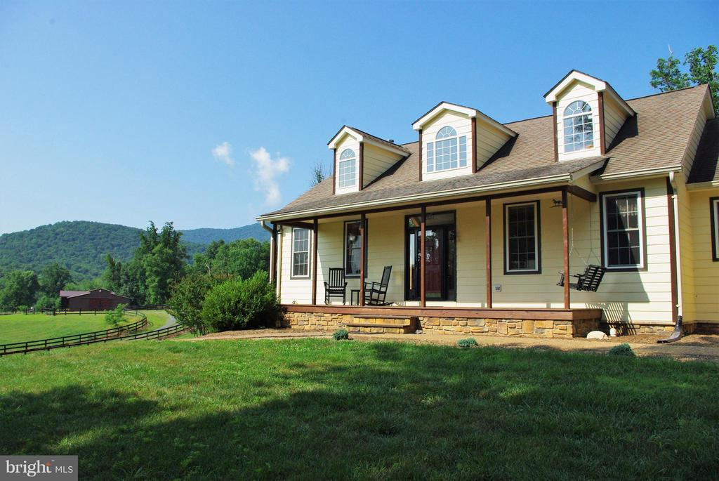 The Front Porch - 41 OLD BROWNTOWN LN, HUNTLY