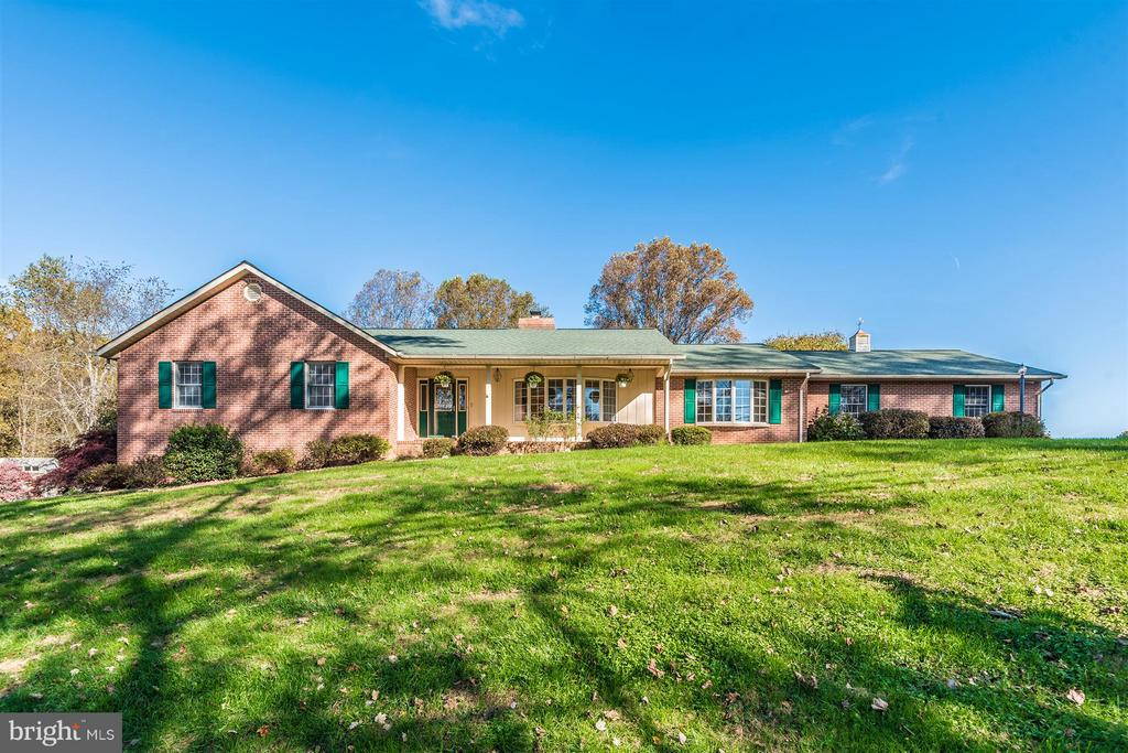All brick rancher - 12492 HOWARD LODGE DR, SYKESVILLE