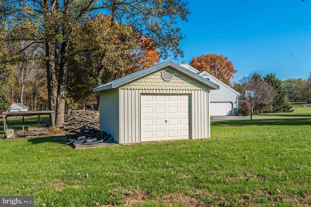 Backyard-Shed - 12492 HOWARD LODGE DR, SYKESVILLE
