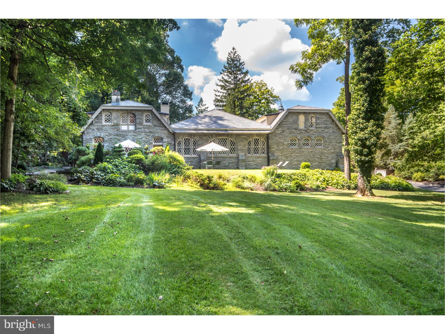 Single Family Home for Sale at 3202 SAINT DAVIDS Road Newtown Square, Pennsylvania 19073 United StatesMunicipality: Newtown
