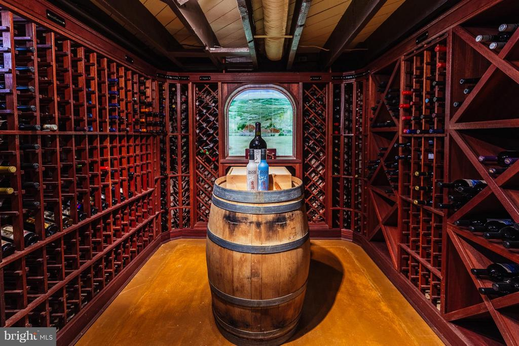 Wine Cellar organized by country and region - 18490 BLUERIDGE MOUNTAIN RD, BLUEMONT