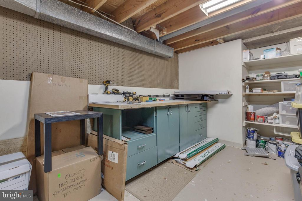 Bonus storage or work room on LL - 8808 TELEGRAPH CROSSING CT, LORTON