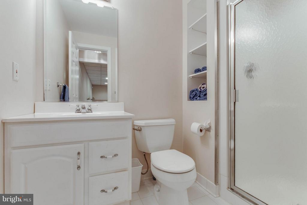 Full bath on lower level - 8808 TELEGRAPH CROSSING CT, LORTON