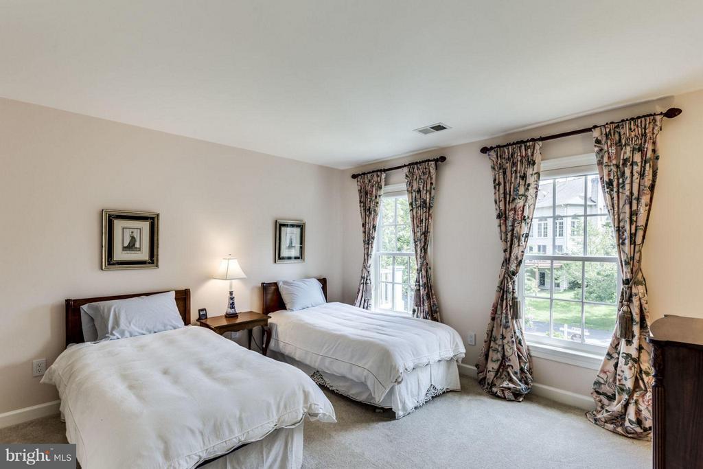 Bedroom - 12118 WALNUT BRANCH RD, RESTON