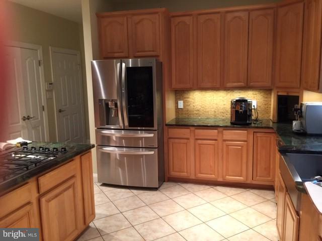 Kitchen - 12118 WALNUT BRANCH RD, RESTON