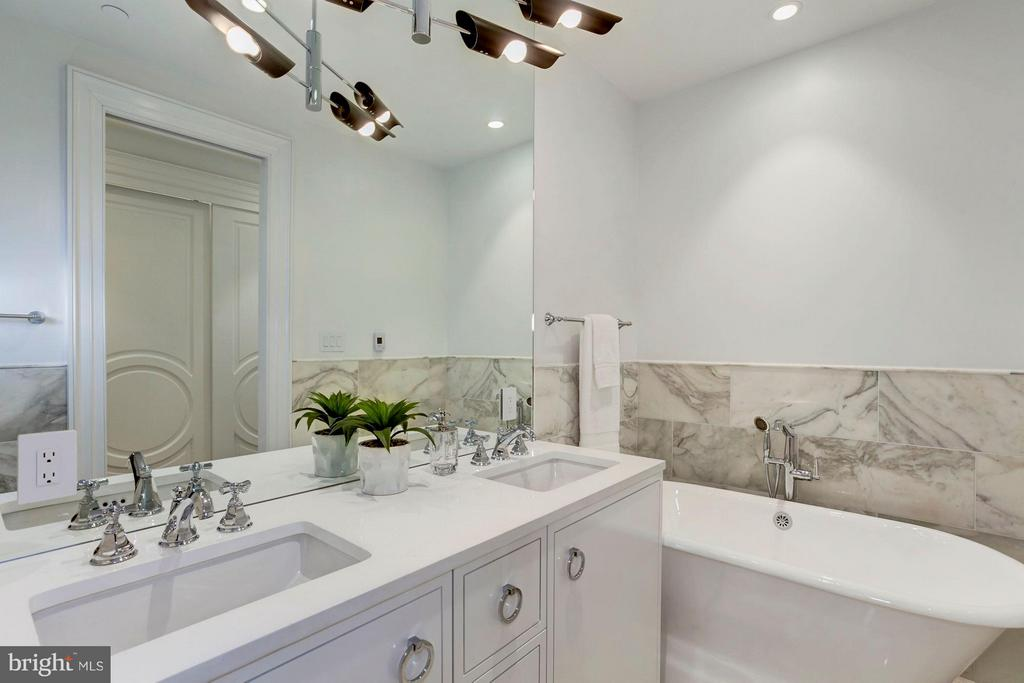 Lower Level - Master Bath - 1309 R ST NW #1, WASHINGTON