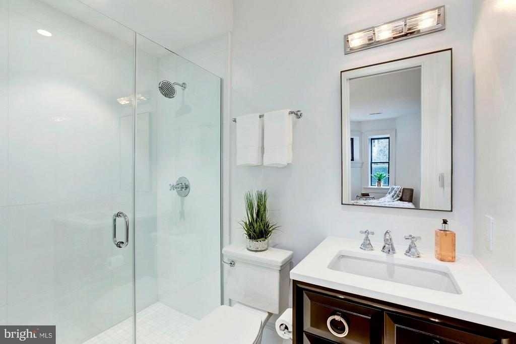 Lower Level - Bedroom #2 Private Bath - 1309 R ST NW #1, WASHINGTON