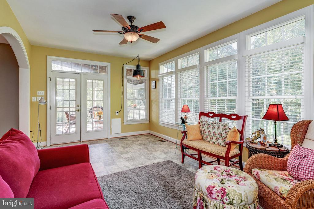 Sunroom with  dog door to screened porch - 5874 IRON STONE CT, CENTREVILLE