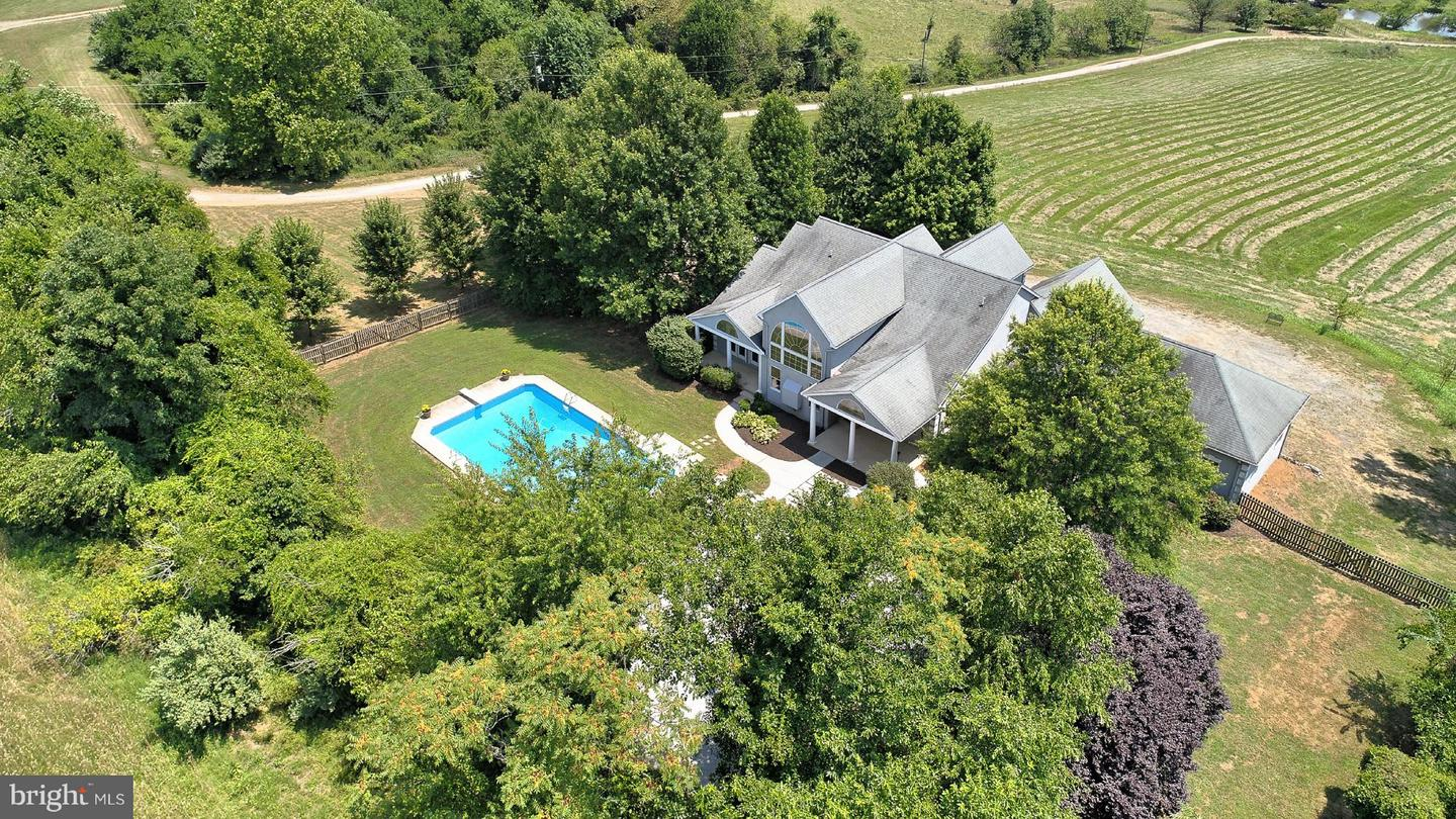 Single Family for Sale at 18001 Tranquility Rd Purcellville, Virginia 20132 United States