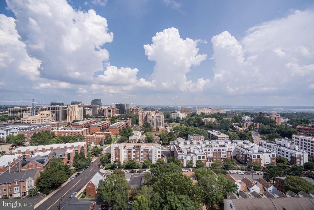 Amazing Rooftop Views - 2001 15TH ST N #309, ARLINGTON