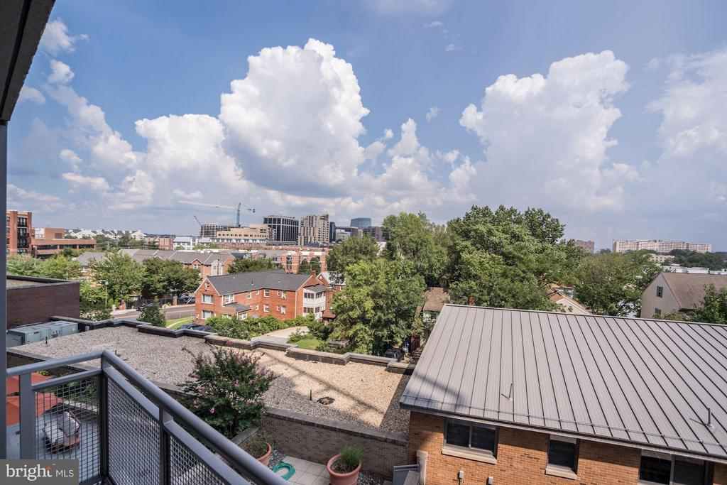 Amazing Views from the Balcony - 2001 15TH ST N #309, ARLINGTON