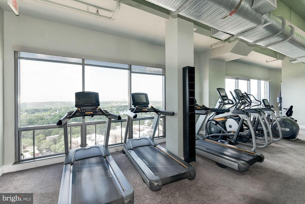 Fitness Center with views - 2001 15TH ST N #309, ARLINGTON