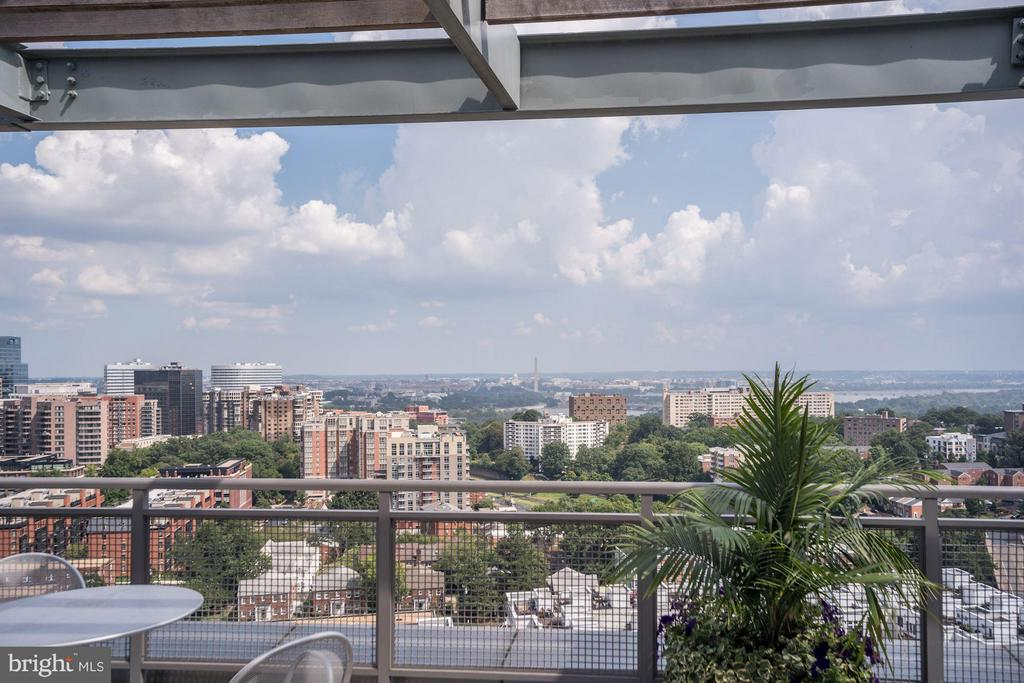Incredible Rooftop Views - 2001 15TH ST N #309, ARLINGTON