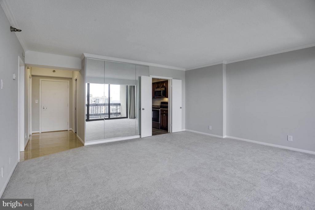 Living Room - 5505 SEMINARY RD #2506N, FALLS CHURCH