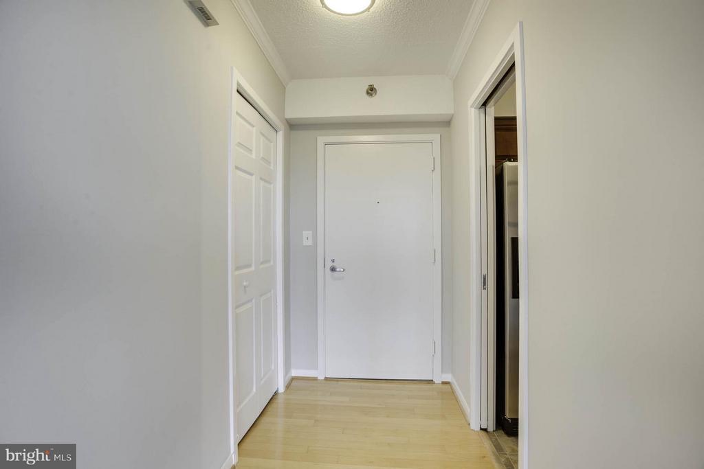 Foyer - 5505 SEMINARY RD #2506N, FALLS CHURCH