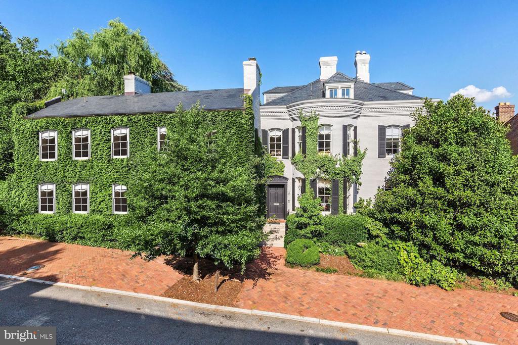Historic Brooke House - 1607 28TH ST NW, WASHINGTON