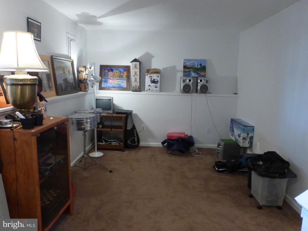 Family Room - 333 BRIDLE CREST SQ NE, LEESBURG