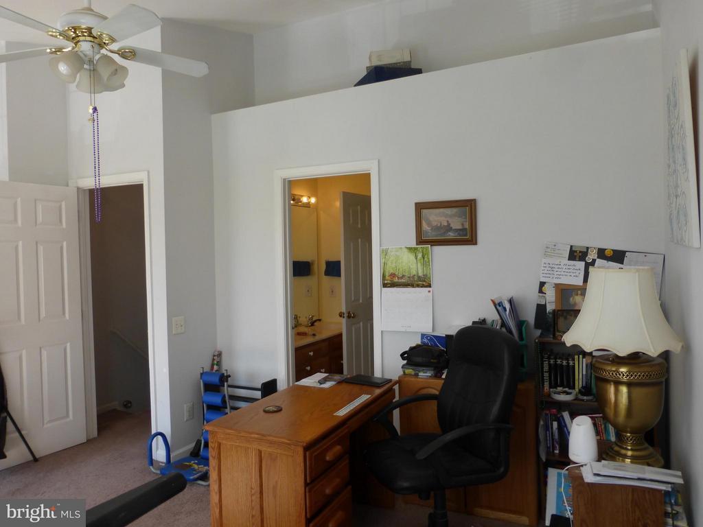 Bedroom (Master) - 333 BRIDLE CREST SQ NE, LEESBURG