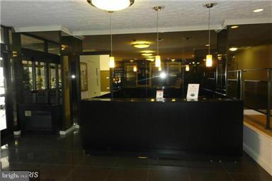 RIVER PLACE WEST FRONT DESK - CONCIERGE SERVICE - 1111 ARLINGTON BLVD #717, ARLINGTON