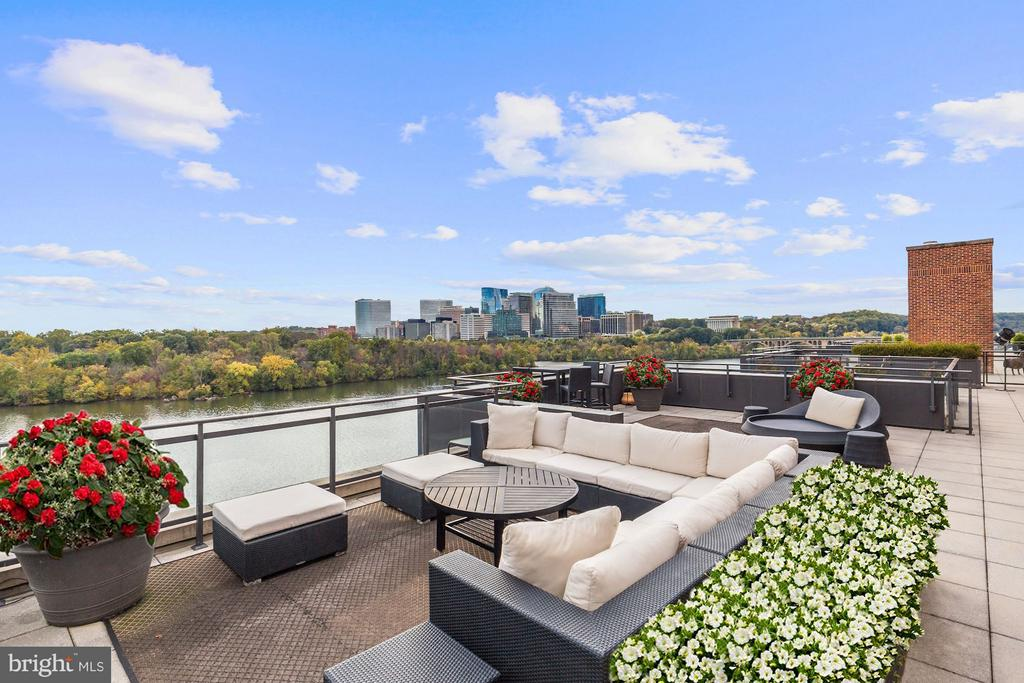 2,225 sq. ft. Terrace overlooking the Potomac - 3150 SOUTH ST NW #PH2D, WASHINGTON