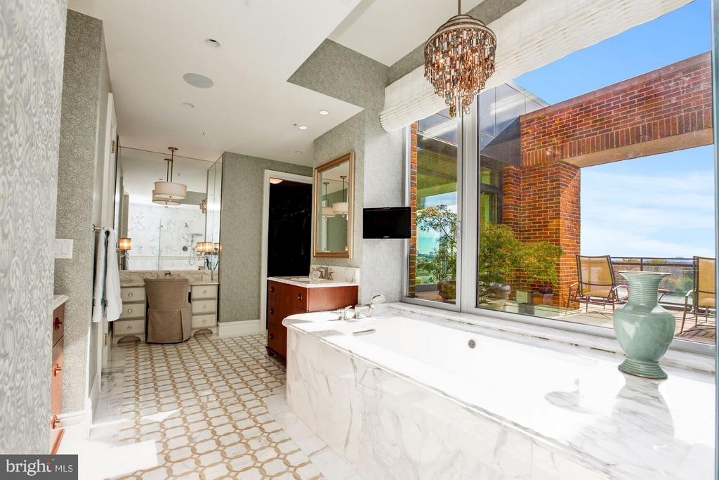 Master Bathroom with Heated Floors - 3150 SOUTH ST NW #PH2D, WASHINGTON