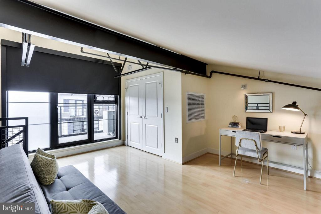 Loft with Balcony - 2125 14TH ST NW #311W, WASHINGTON