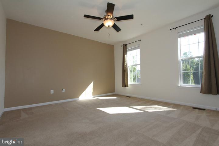 Spacious master bedroom - 9551 SOUTH HALL TER, MANASSAS