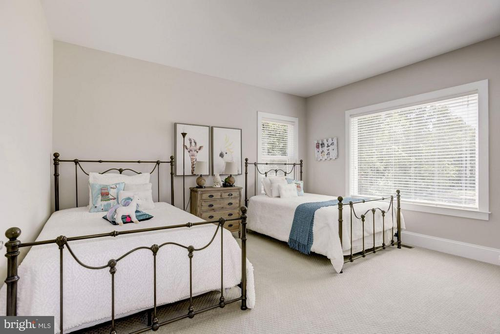 Nicely sized bedrooms - 5694 COLCHESTER RD, CLIFTON