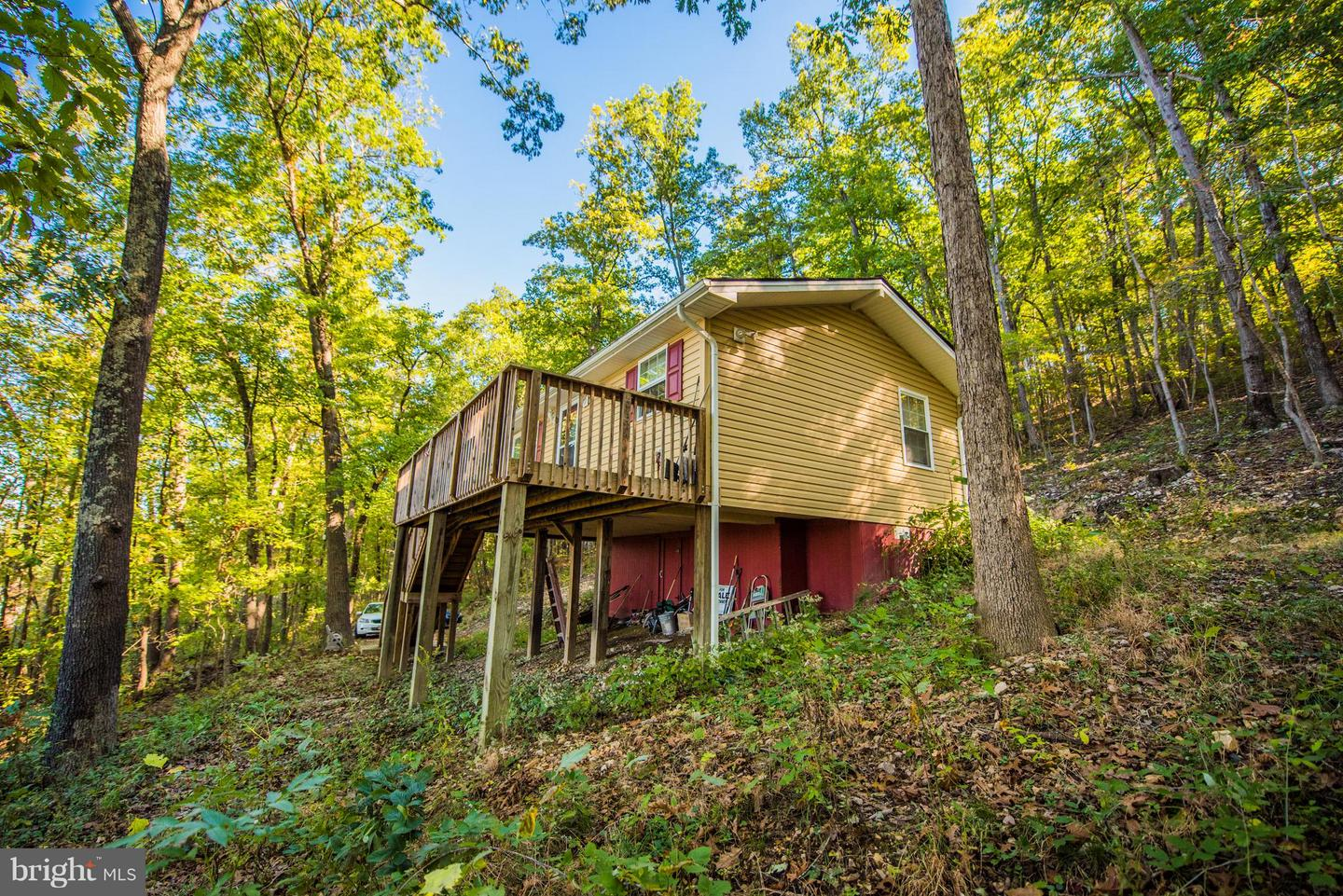Single Family for Sale at 1312 Old Oak Ln Front Royal, Virginia 22630 United States