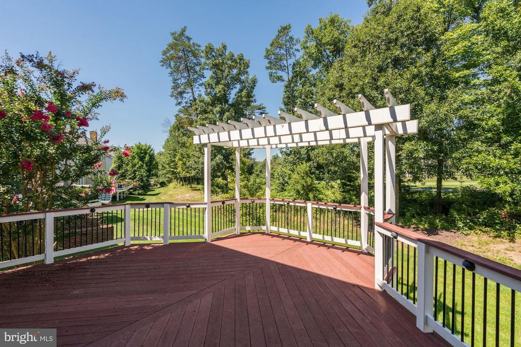 Large Deck off the Family Room - 20093 WHISTLING STRAITS PL, ASHBURN