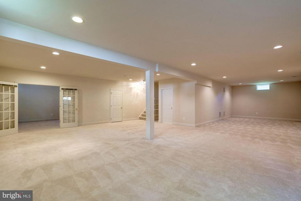 Space for Gym Equipment or Game Room - 20093 WHISTLING STRAITS PL, ASHBURN